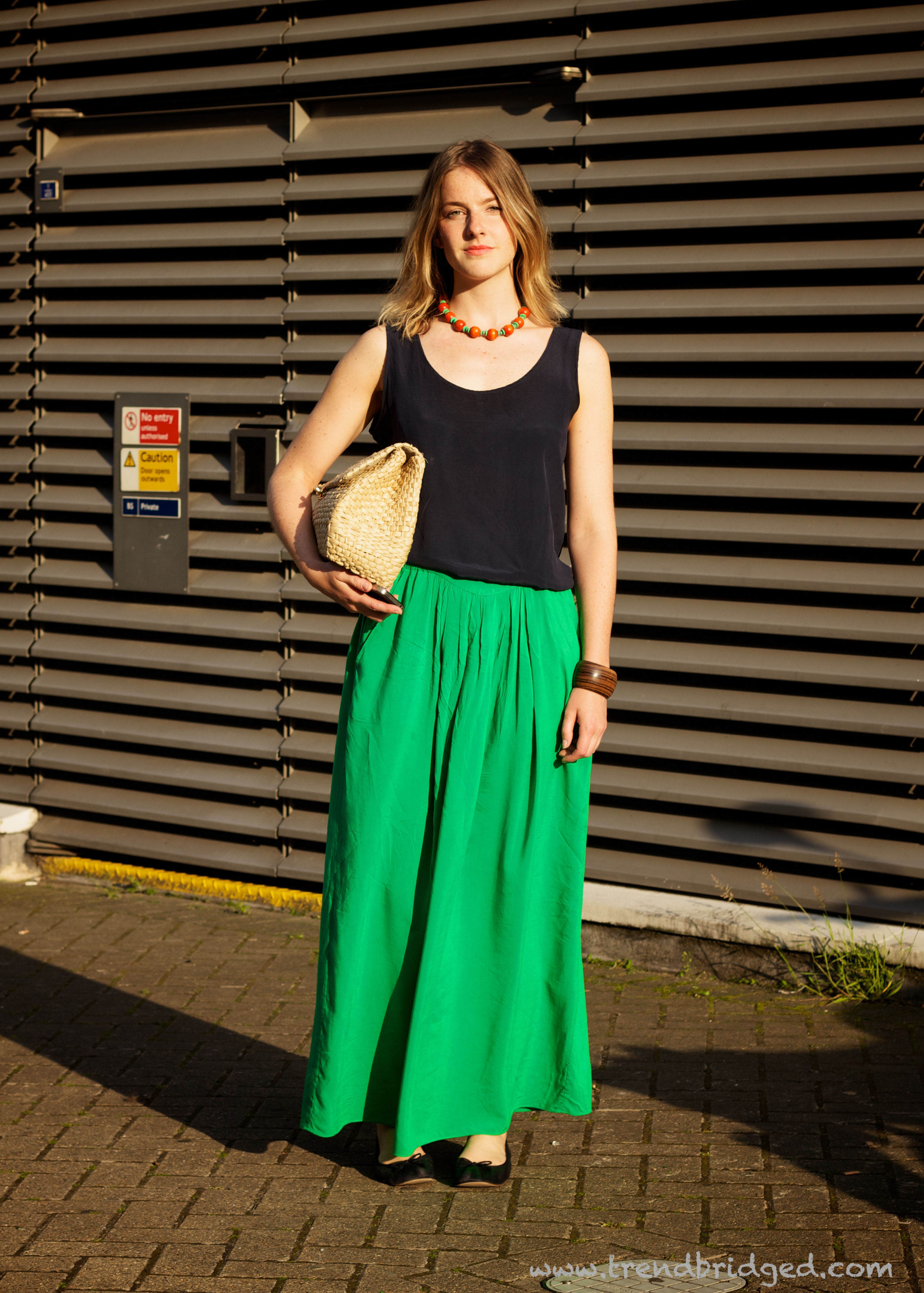 Green Skirt, Maxi Skirt, Tate Modern, Green an Black, London Fashion, Straw Bag
