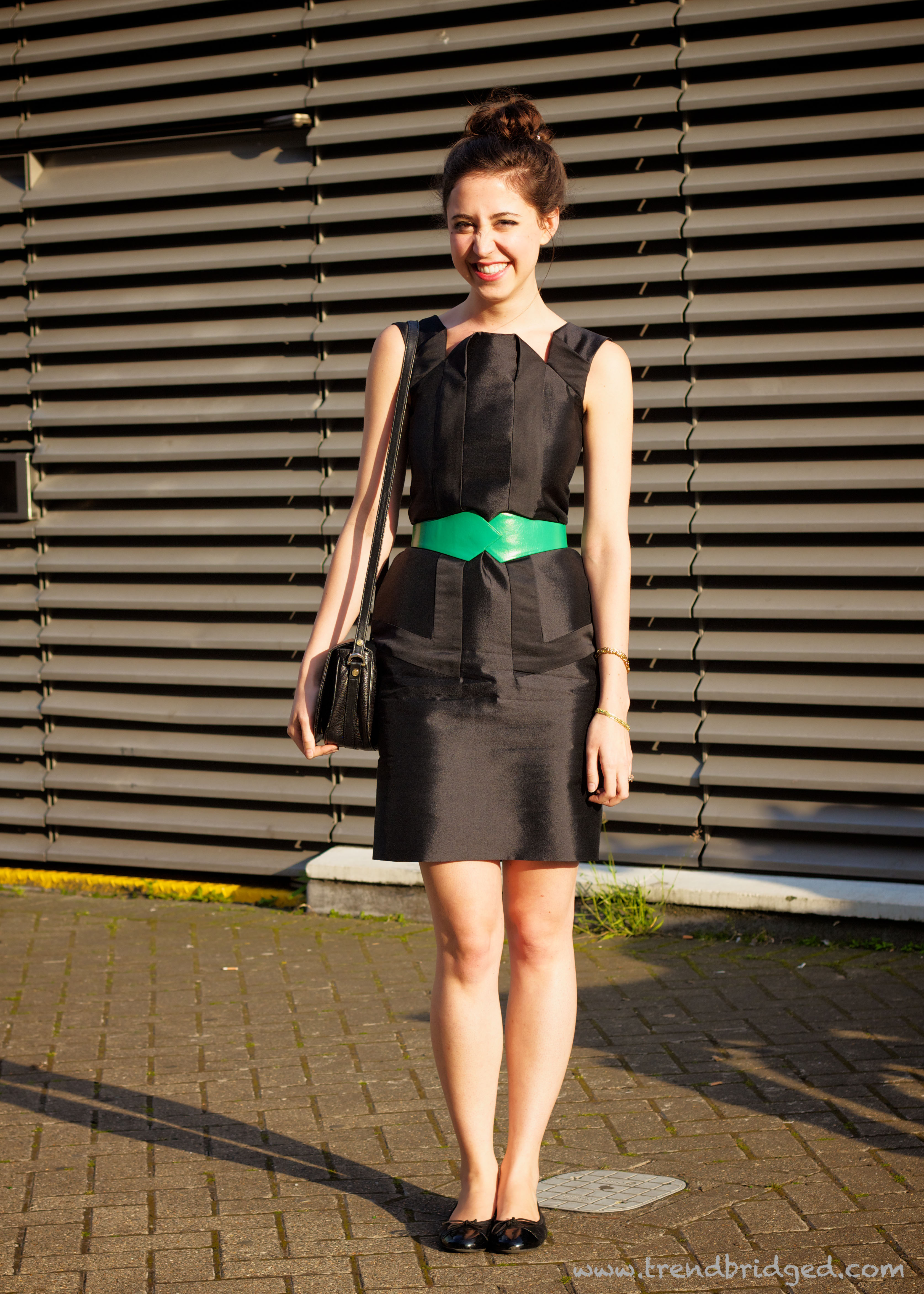 Green Skirt, Maxi Skirt, Tate Modern, Green an Black, London Fashion, Green belt, Origami detailing